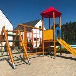 Domki letniskowe Palm Rogowo plac zabaw dla dzieci, drabinki i zjezzdzalnia